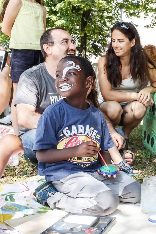 Zena al truccabimbi durante le celebrazioni della Giornata del Rifugiato a Lecco il 25/06/2017.